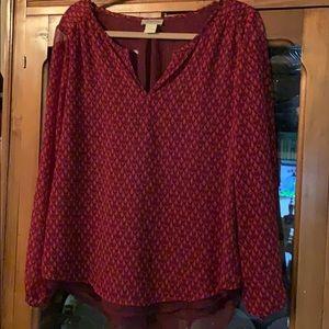 Lucky blouse maroon sheer fabric w/ split back